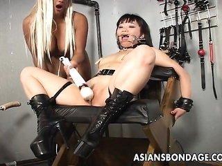 blonde prostitute toys her byzantine slavegirl into obedience
