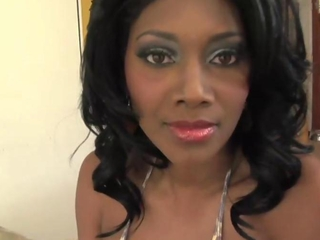 Nyomi Banxxx has beefy maid billibongs