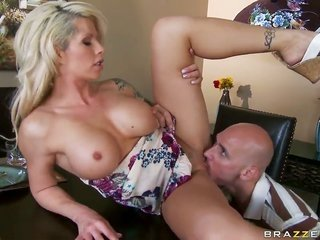 Brooke Haven with mountainous hooters takes Johnny Sinss ache bar so slapping deep thereon warm-up