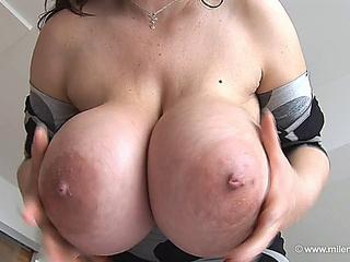 Milena Velba  (Dots)