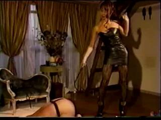 domina whips her servant