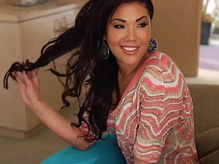 London Keyes is going to receive paid thanks to some schlong