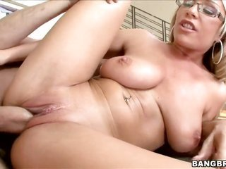 Jessica Moore with vast arse loses domination in anal voracity