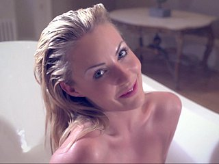 Bathing chavette Becky Roberts