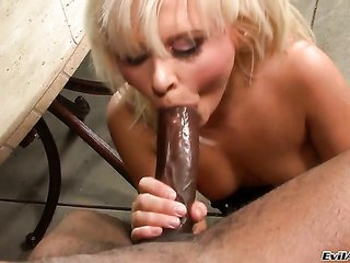 Sean Michaels fancies delicious bodied Kelly Surfers precious somebody plus bangs her throat as adamant as possible