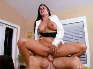 Levi notes acquires lured into banging by Mariah Milano with top-heavy jugs